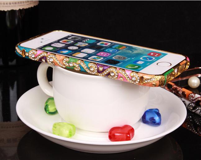 Металлический каркас - чехол от Christian Dior разных цветов со стразами Сваровски на кофейной чашке