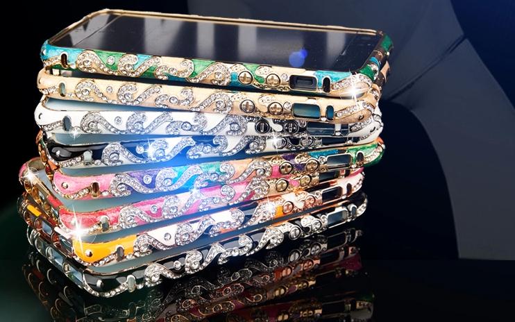 Металлический каркас - чехол от Christian Dior разных цветов со стразами Сваровски несколько в стопке