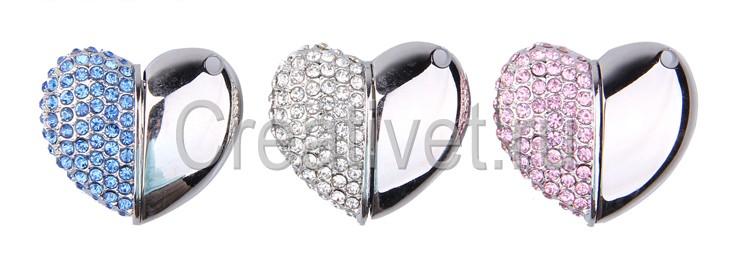 Флешка в форме сердца с кристаллами