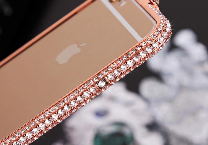 Чехол для iPhone 5, 6 ручной работы. Германская технология. Со стразами. С боку, золотой каркас.