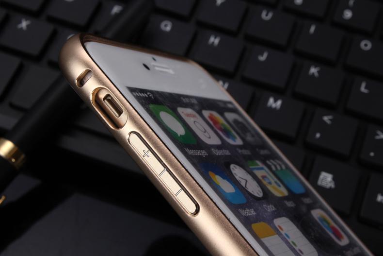 Чехол бампер с крышкой iPhone 5,6 золотой вид вблизи