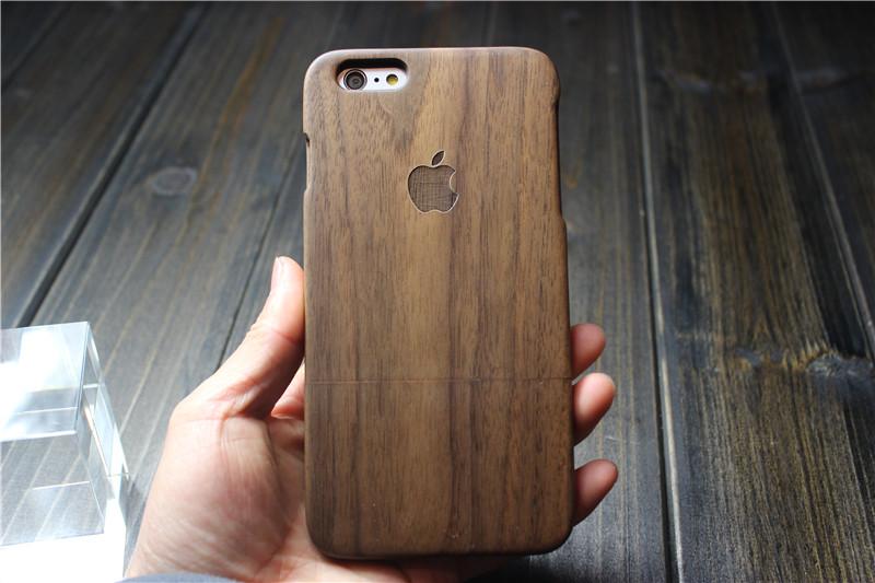 Чехол для iPhone состоит из натурального дерева