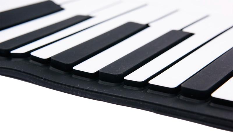 Гибкое фортепиано поближе