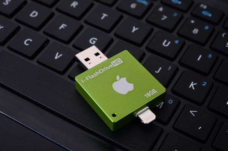i FlashDrive HD флеш карта для устройств Apple зеленого цвета