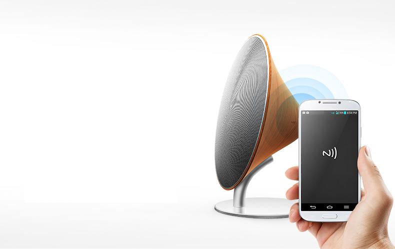 Деревянная Bluetooth колонка Solo One Emie подключение с помощью смартфона