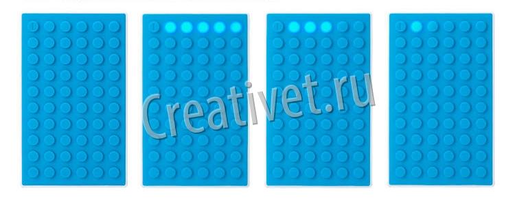 Процесс зарядки на портативном зарядном устройстве Lego